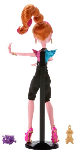 Seems Monster high 13 wishes dolls alone!